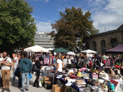 Flomarkt auf dem Helvetiaplatz in Zürich